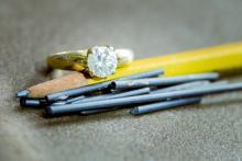 Стэнфордские ученые нашли новый способ превращать графит в алмаз
