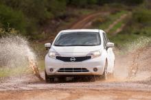 Nissan использует самоочистку автомобиля