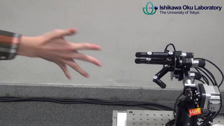 Непобедимый робот «Камень-ножницы-бумага» еще быстрее